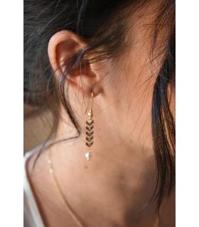 Boucles d'oreilles Oly pour la mariée avec une chaine épi dorée, boucles d'oreilles de mariage bohème.