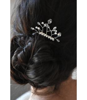 Peigne à cheveux pour la mariée modèle Corail, composé de perles de cristal et de strass pour votre coiffure de mariage.