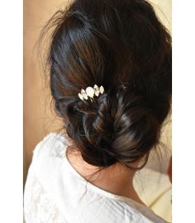 Peigne cheveux mariage avec des strass modele violoncelle bijoux mariage