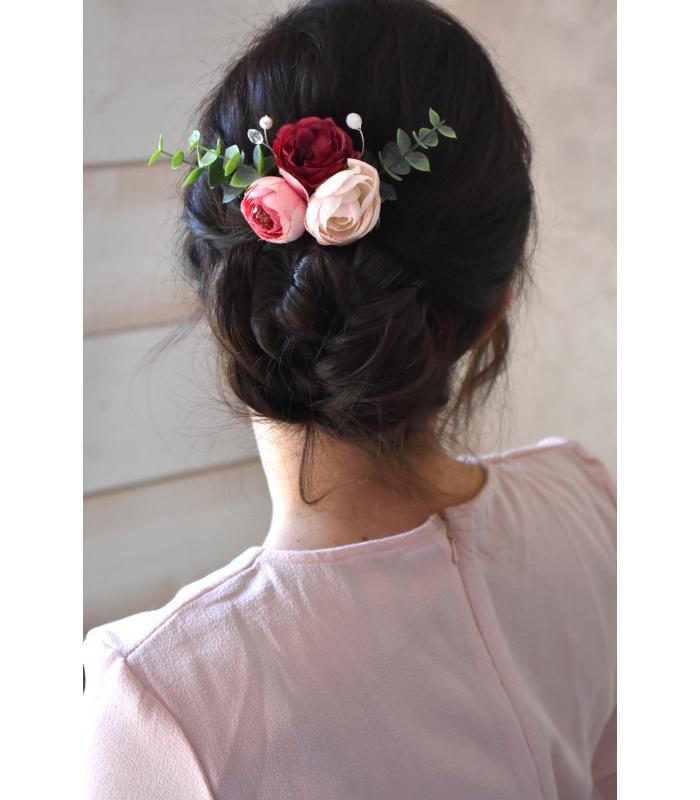 Peigne à cheveux pour la mariée Poésie, avec des pivoines et de l'eucalyptus pour poser sur votre chignon.