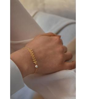 Bracelet pour la mariée Oly, avec une chaine epi dorée et perle nacrée