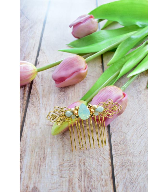 Peigne à cheveux pour la mariée en strass et perles nacrées, modèle Achka, pour le chignon de mariage.