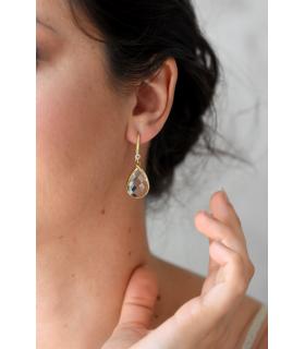 Boucles d'oreilles mariée Soline avec des gouttes transparentes et des fermoirs à strass
