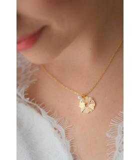Collier de mariée Sunlight avec breloque boheme chic soleil doré et perles nacrées