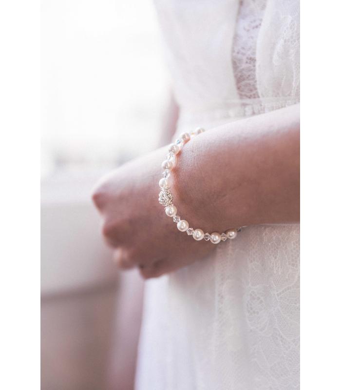 Bracelet de mariée Angélique composé de perles nacrées et transparentes rétros.